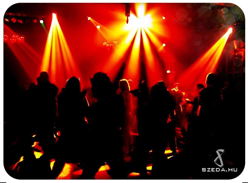 Karaoke Party csapatépítő program